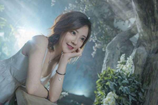 张艺兴怼哭冯提莫,网红想做明星有多难?